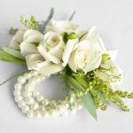 wrist-corsage-white-flowers-dreamflowerscom (2)