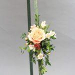 standing-easel-funeral-flowers-wwwdreamflowerscom-2