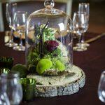 organic-bogo-style-wedding-centerpiece-wood-slice-red-roses-moss-4