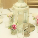 white-wedding-low-centerpiece-with-lantern-dreamflowerscom