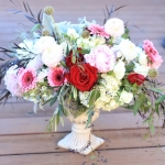 pink-white-red-flowers-low-lush-centerpiece