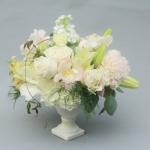 white-wedding-low-centerpiece-dreamflowerscom