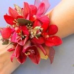 white-red-gold-wedding-flowers-115