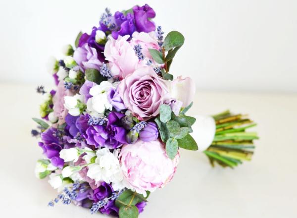 Vintage lavender pink sweet pea purpler bouquet