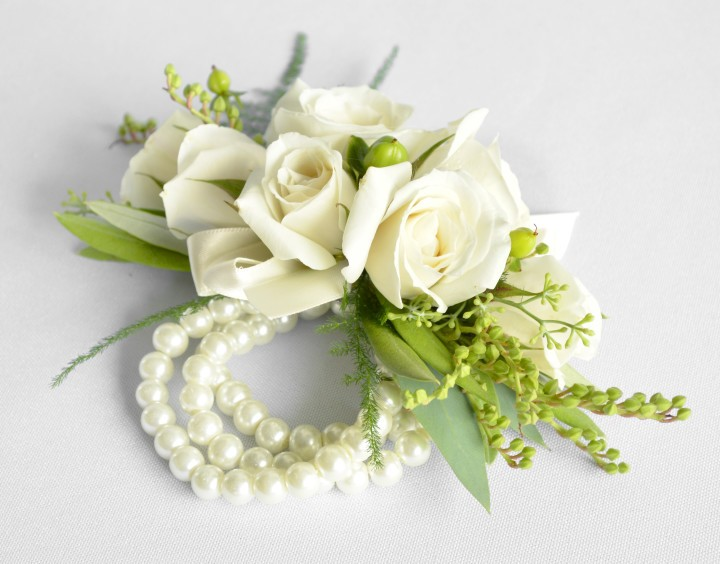 Floral corsages for ladies