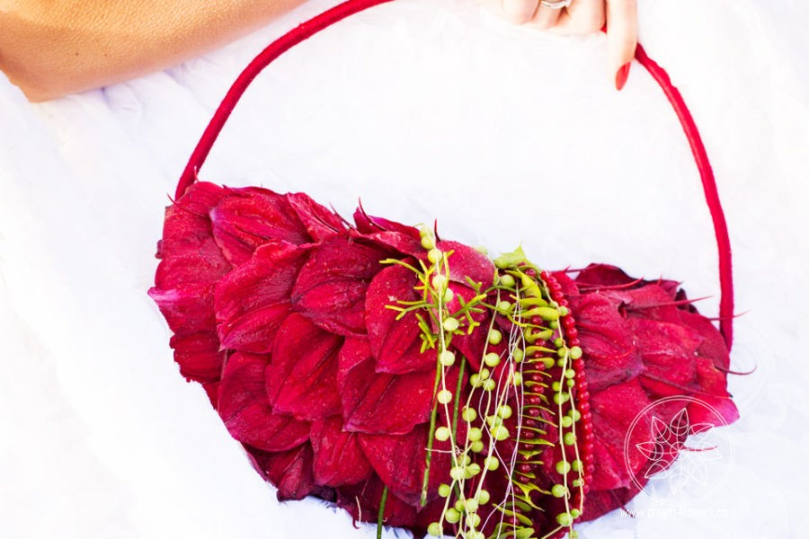 DIY Wedding Flowers or Hire a Professional Wedding Florist in Bay Area?