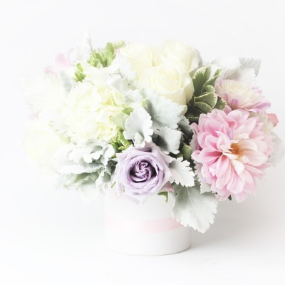 White pink flower arrangement DreamFlowersCom