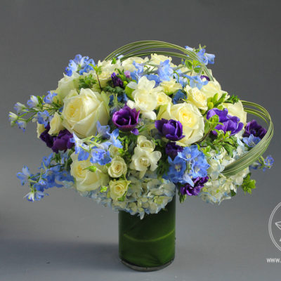 Vase flower arrangement The Blue Lagoon