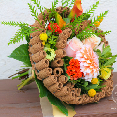Description of the Modern Bouquet with cork frame. Collection of signature bouquets