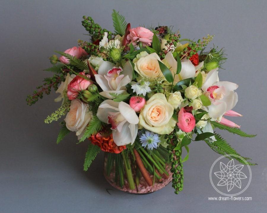 Everyday arrangement garden roses, orchids, ranunculus