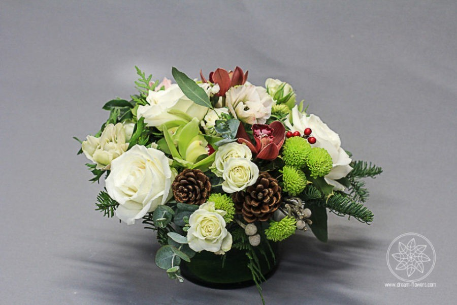 Christmas flower arrangement Winter Wonderland