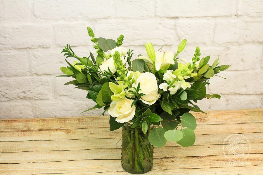 Vase Flower Arrangement Pearly White